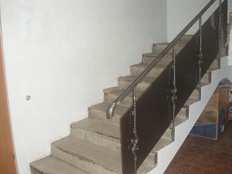 Лестница из полимерных листов