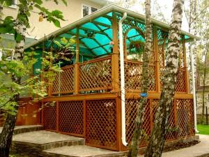 Поликарбонатная крыша для беседки