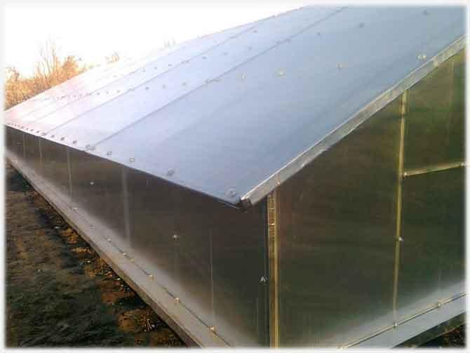 Полимерная теплица с односкатной крышей