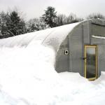 Зимняя поликарбонатная теплица фото