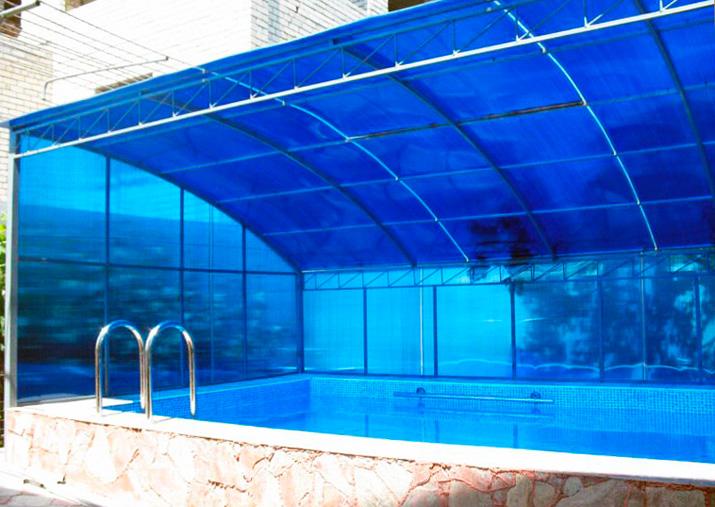 Полимерный навес для защиты бассейна