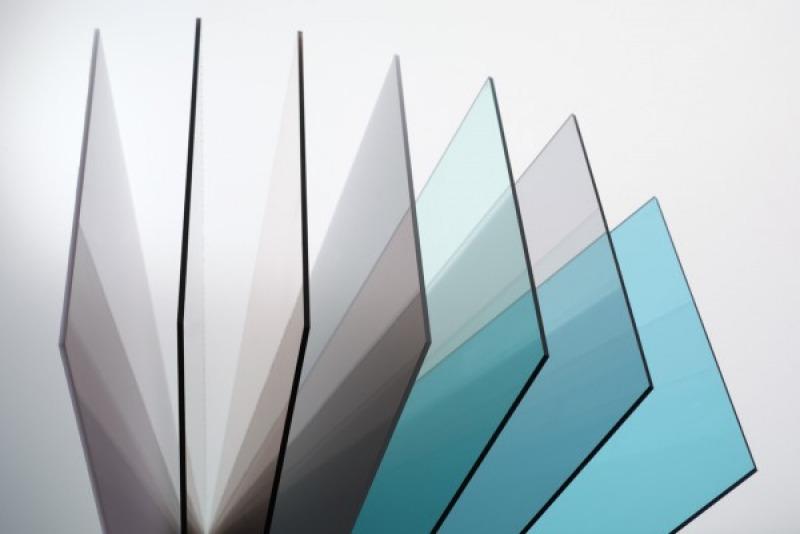 Монолитный поликарбонат и его плотность