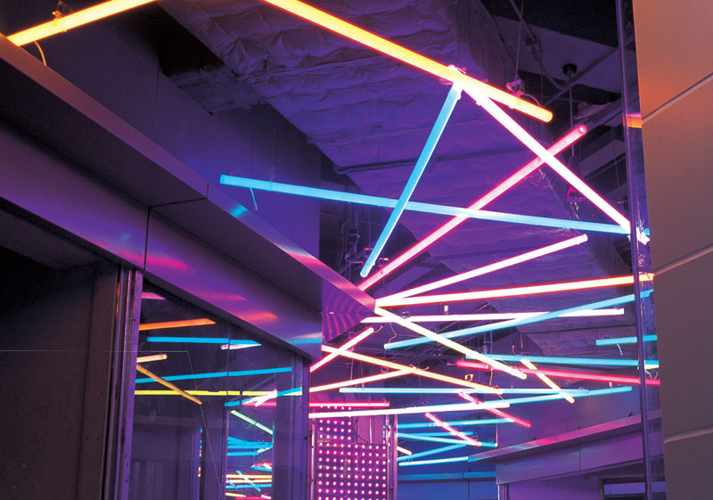 Разноцветные трубки для освещения