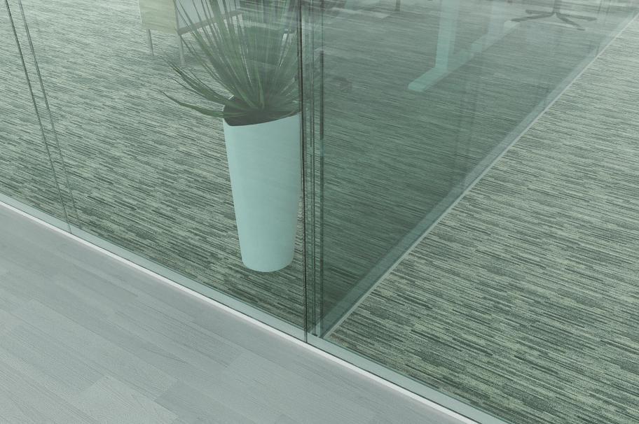 Перегородка из поликарбонатного стекла