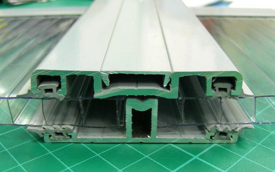 Преимущества профиля из алюминия для соединения полимера