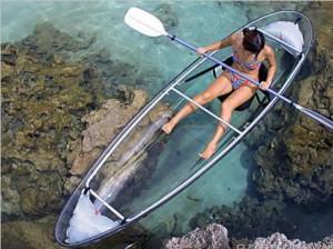 Прозрачная поликарбонатная лодка