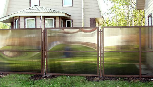 Забор из полимерных листов