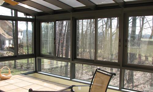 Монтируем поликарбонатные окна самостоятельно