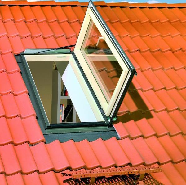 Полимерное распашное окно