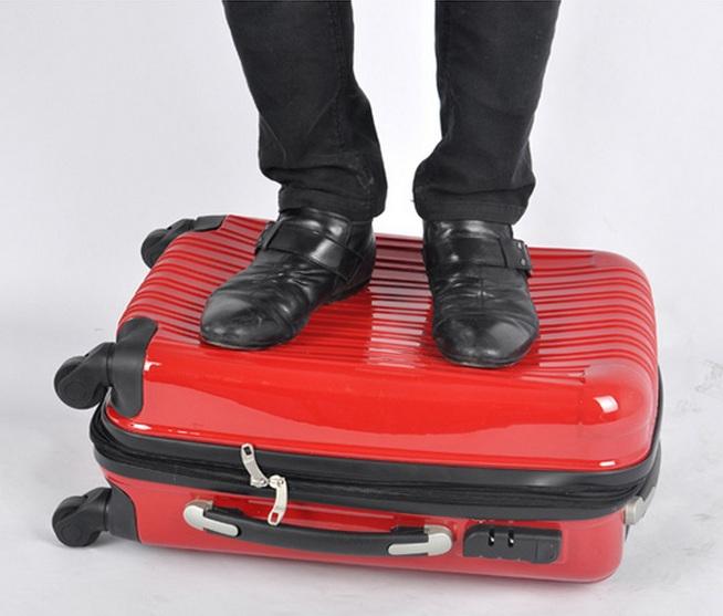 Прочность полимерного чемодана