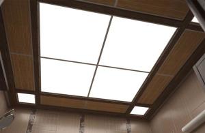 Поликарбонатный потолок с лампами