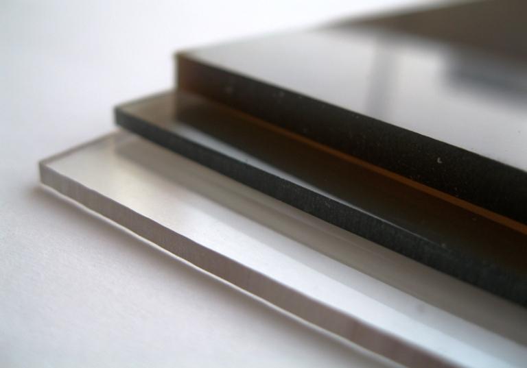 Пластины монолитного полимера