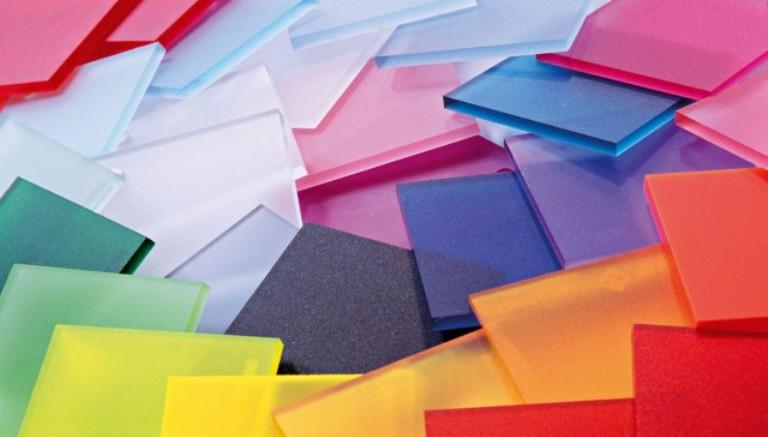 Разноцветные пластины полимера