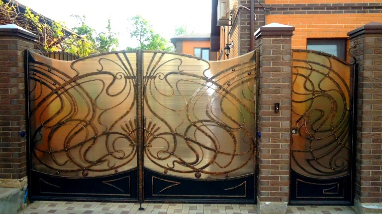 Кованые ворота из полимера